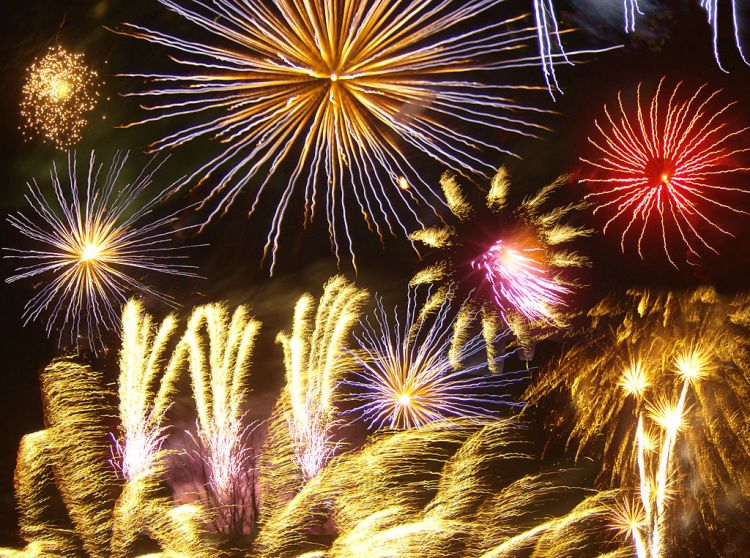 1024px-Firework_photomontage